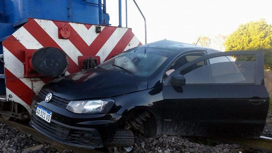 Choque de tren a auto