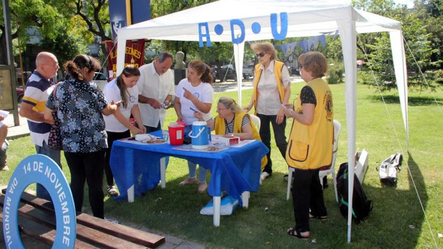 El Club de Leones presente en la campaña contra la Diabetes