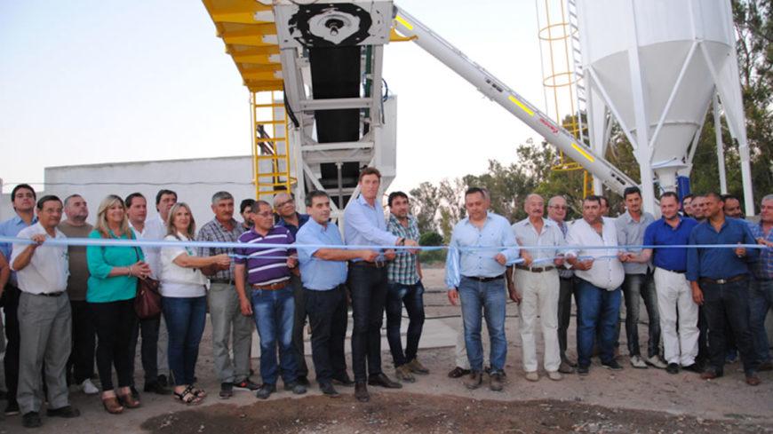 Se inauguró la primera hormigonera municipal