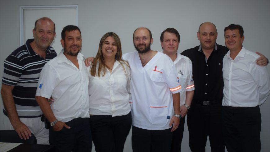 Parte del equipo médico junto al Doctor Luciano Stoppani, Presidente del Centro Médico San Francisco.