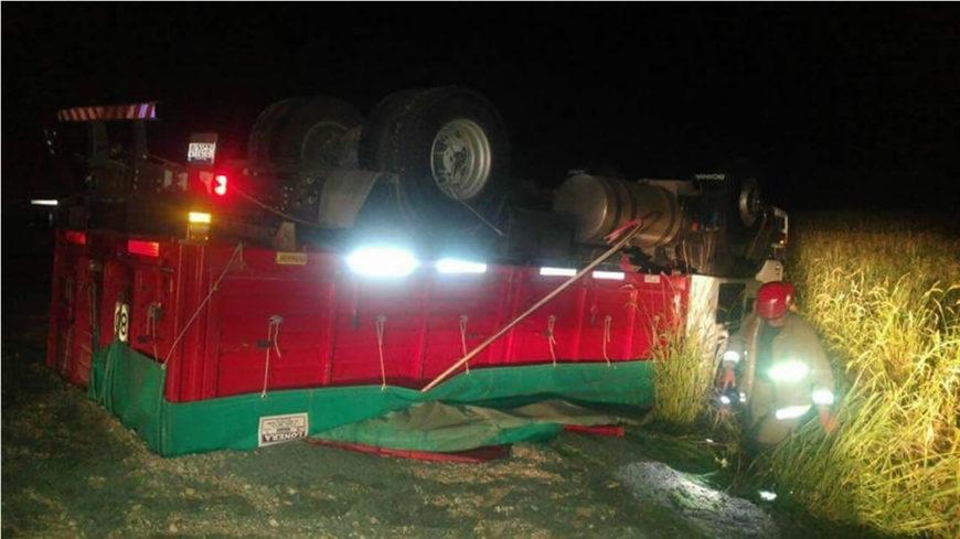Vuelco de camión sobre Ruta 19