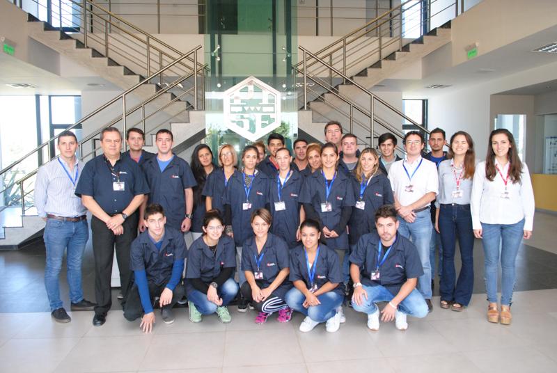 Empleados que viajarán a Brasil