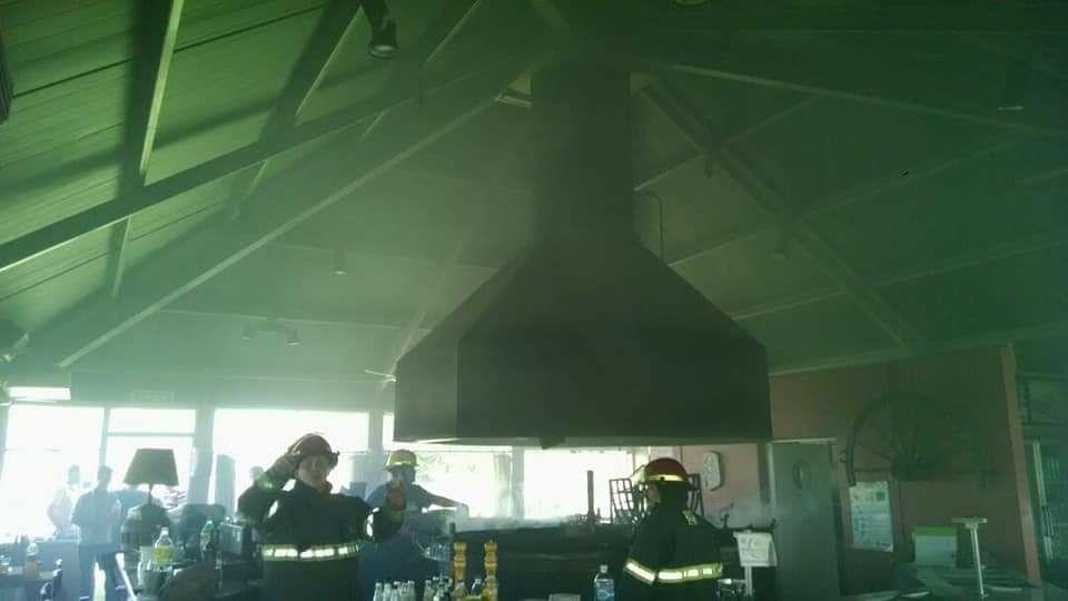 Gran cantidad de humo se acumuló en La Parrilla