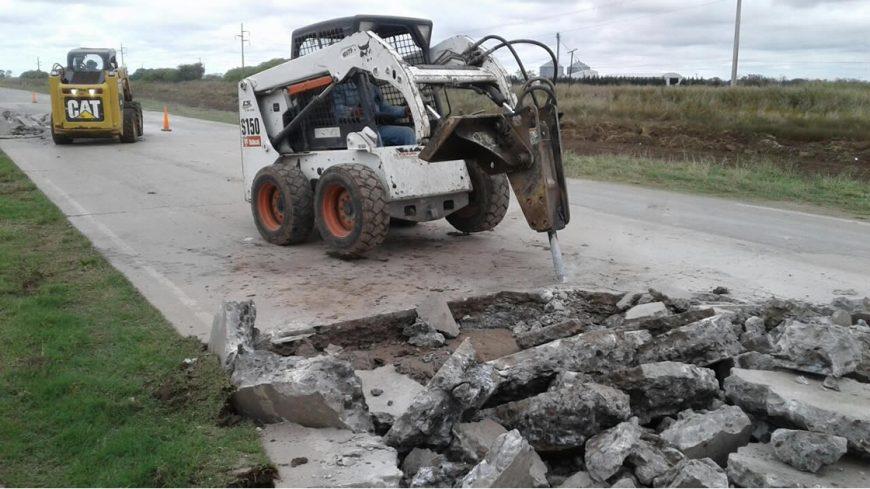 Las máquinas trabajan en la Ruta Provincial N°1